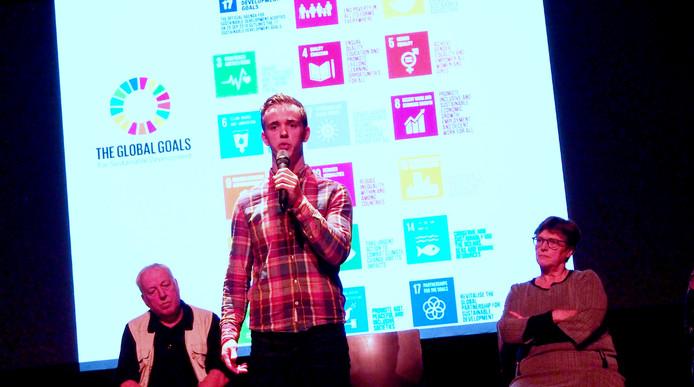 Ramon van Esch spreekt als klimaatactivist op de avond over de Global Goals