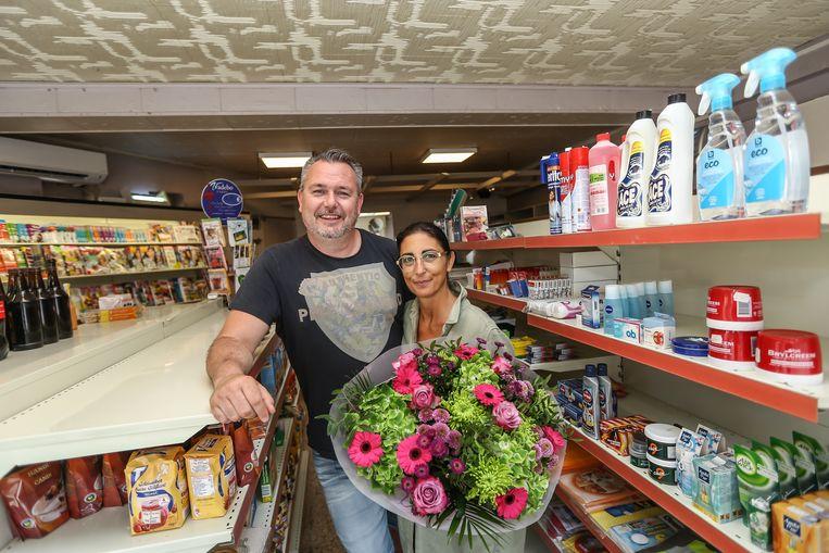 Frederic Ketelslegers en z'n echtgenote Ilse Vanluyten nemen met spijt in het hart afscheid van de buurtwinkel.