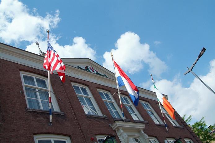 De gemeente Etten-Leur pakt illegaal gebruik van gronden en groen door inwoners wijk voor wijk aan.