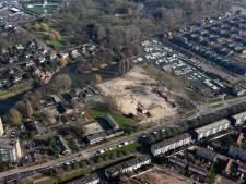 Gesloopt scholencomplex aan Noordendijk doet voorlopig dienst als speeltuin en bloemenweide