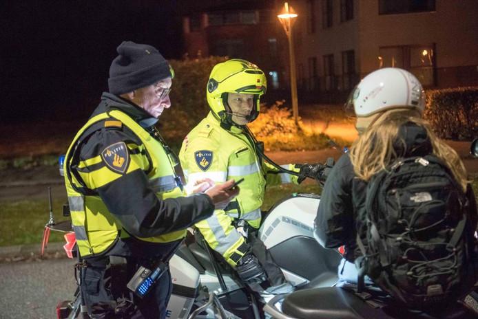 Een grote politieactie in Waalre.