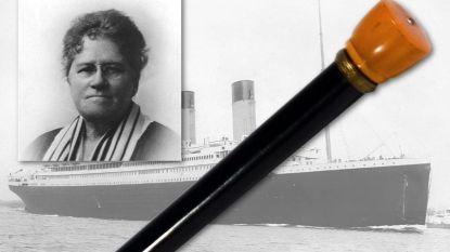 Lichtgevende wandelstok die levens redde van 26 Titanic-passagiers geveild voor 100.000 dollar