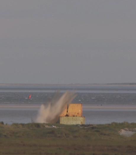 F-16's raken ook met zandbommen doelen op Vliehors
