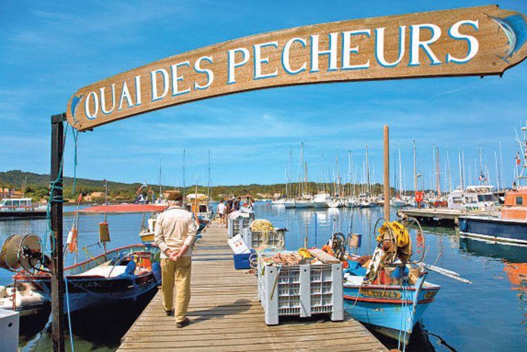Het vissershaventje van het eiland Porquerolies, vlak bij Hyères.