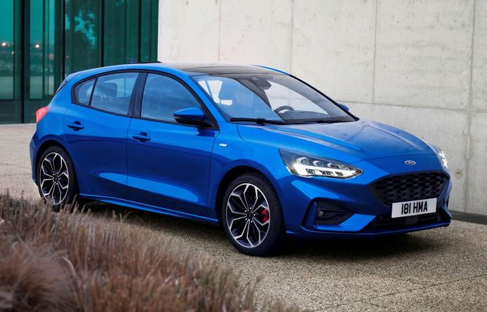 De nieuwe Ford Focus, hier in de extra sportieve ST-Line uitvoering, biedt op de achterbank meer zitruimte dan voorheen.