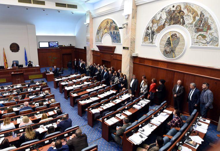 Een deel van de Macedonische oppositie boycot in het parlement de stemming over de  naamsverandering van Macedonië naar 'Republiek Noord-Macedonië' en weigert te gaan zitten.