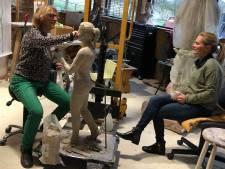Wiegman over standbeeld: 'Hopelijk staat Koeman straks naast me'