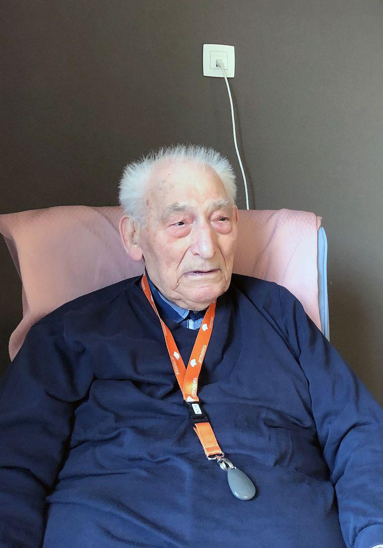 François Gios vierde zijn 100ste verjaardag in WZC De Notelaar.