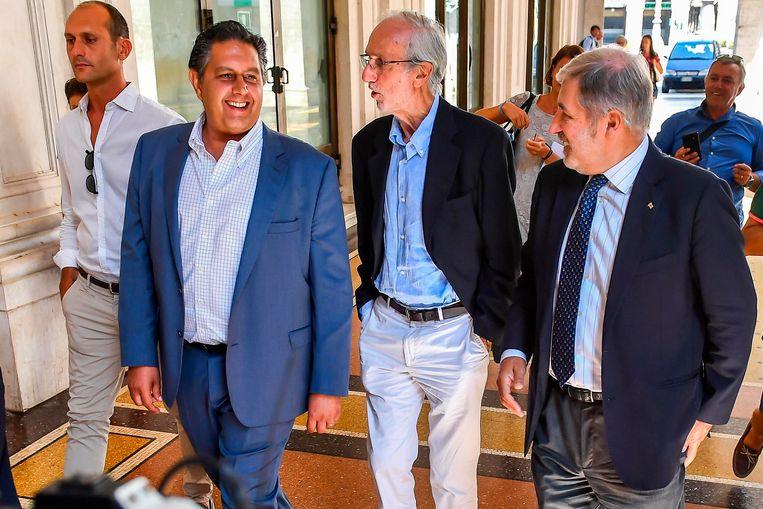 Gouverneur Giovanni Toti (L), architect Renzo Piano (C) en burgemeester Marco Bucci (R).