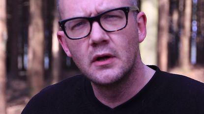 Simon Raket wint Belgisch Kampioenschap Poetry Slam