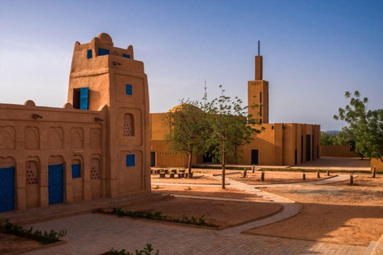 De bibliotheek en de moskee van Dandaji.  Beeld united4design