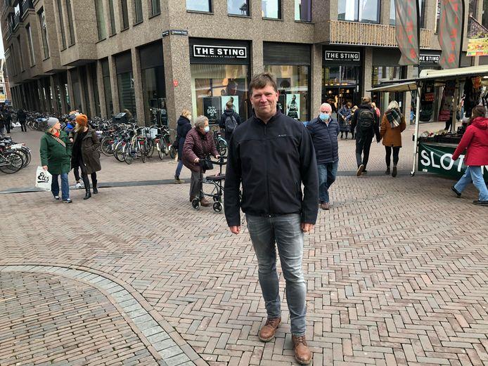 Ron Looijen van het 1,5 meterteam op het Vredenburgplein
