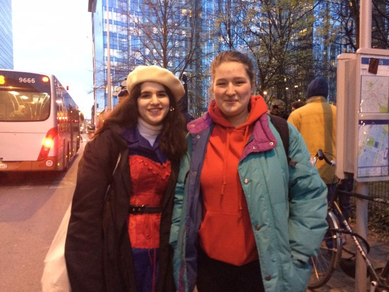 Vrijwilligers Sarah en Luna