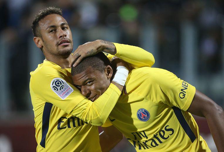 Neymar en Mbappé, sterspelers van Paris Saint-Germain, samen goed voor een half miljard Beeld Getty Images
