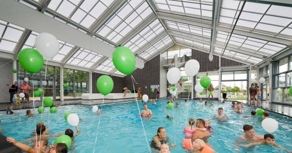 Nieuw zwembad eiland van maurik in gebruik genomen buren for Zwembad s hertogenbosch