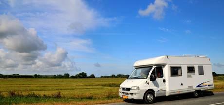 Recron eist harde aanpak illegale overnachting in campers op parkeerterreinen Middelburg