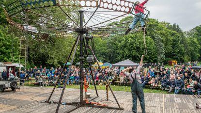 FOTOREEKS. Sfeervol stadsfestival Isotopia in bewolkt Blauwhuispark