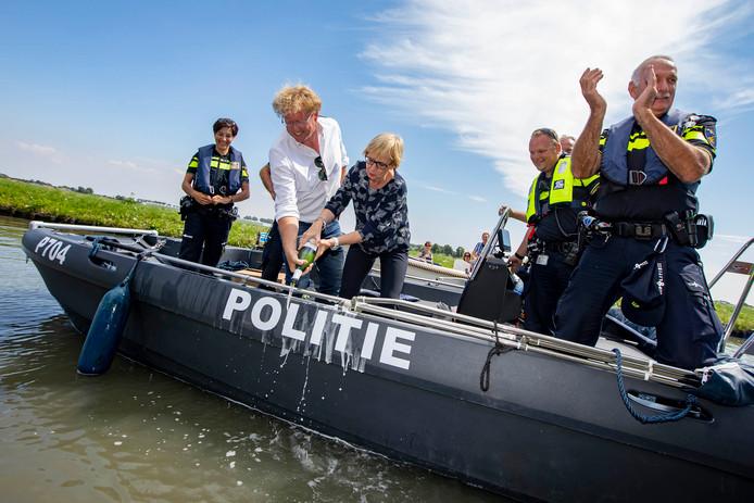De boot is officieel gedoopt.