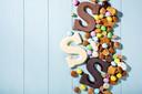 stockadr sinterklaas sint schoen zetten strooigoed pepernoten chocoladeletter snoep
