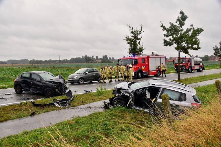 De schade aan de beide voertuigen was aanzienlijk.