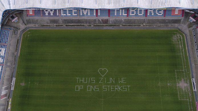 Ook Willem II in Tilburg deed vanuit het voetbalstadion mee aan #NLBlijftThuis.