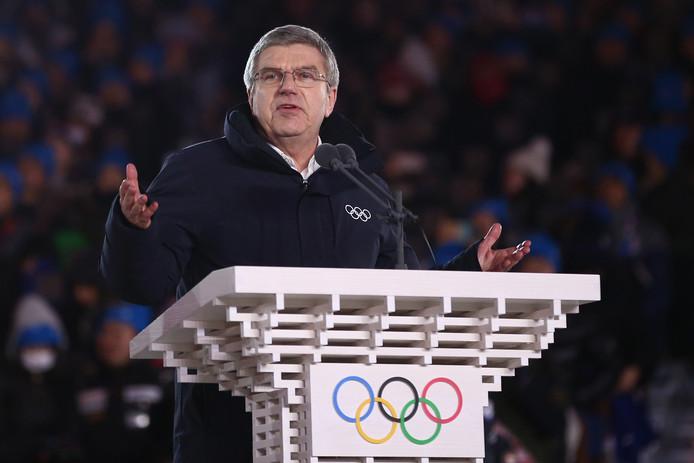 De Blauwe Draak.Ioc Voorzitter Bach Onderscheiden Met De Blauwe Draak Olympische