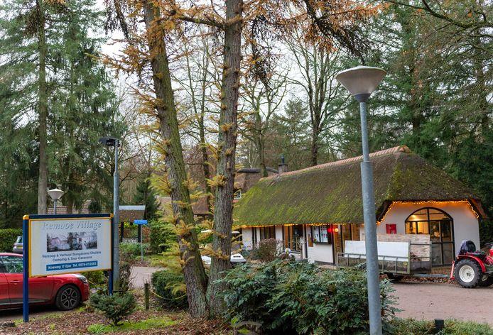 De entree van vakantiepark Remboe Village.
