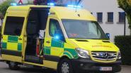 Onverlaat steelt gps uit ziekenwagen terwijl ambulanciers zich over patiënt bekommeren