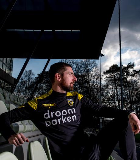Cultheld Arnold Kruiswijk:  Bitter einde van mooie carrière