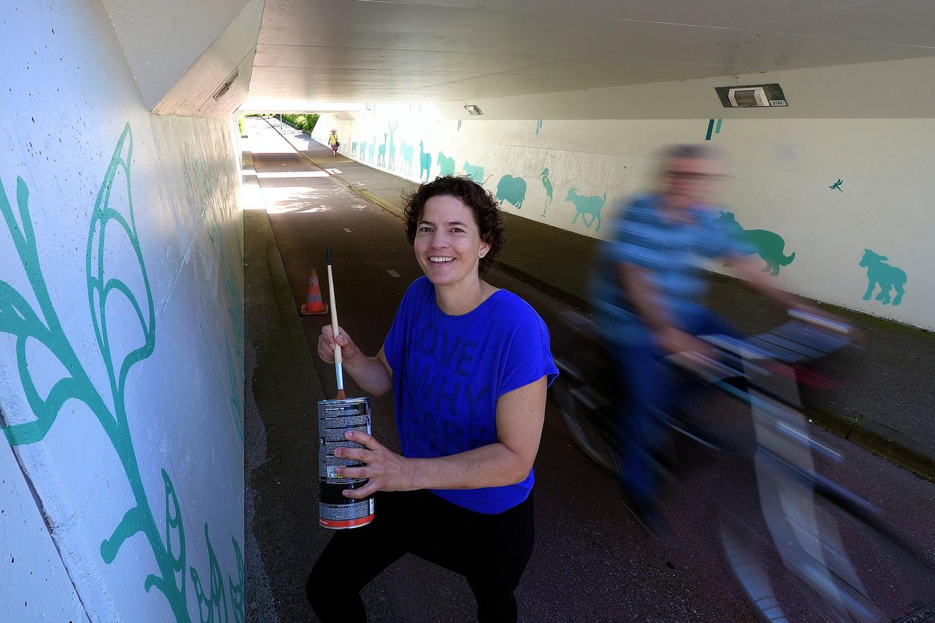 Marijke Maas versierde het Bergrand-tunneltje vorig jaar.