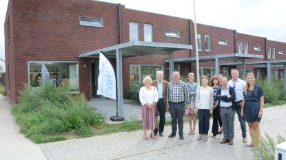 Huisvestingsmaatschappij bouwt vijf koopwoningen in Viergemeet