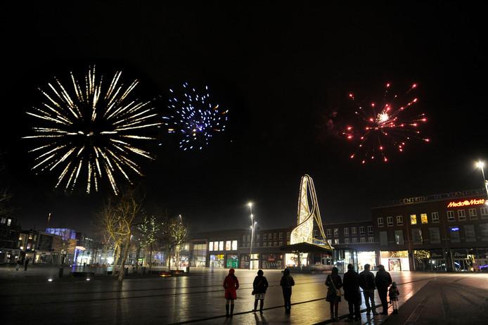 Vuurwerk boven Enschede tijdens de jaarwisseling: hoe lang nog?