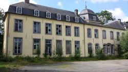 Rechtbank dwingt Nederlandse eigenaars kasteel te herstellen in oorspronkelijke staat
