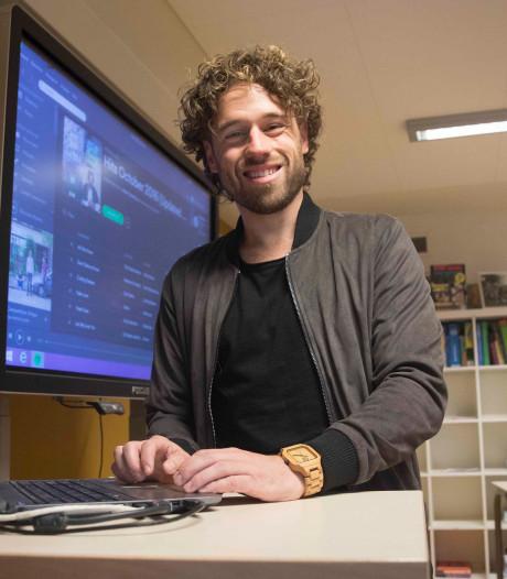 Meester Jesper verwelkomt Arnhemse artiest Anthony Harm bij platenlabel