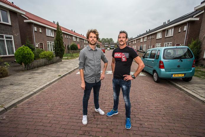 Welzijnsorganisatie was de redding voor Zutphenaar Demian Fijma (rechts). Sociaal werker Niek Wösten (links) hielp hem er weer bovenop.