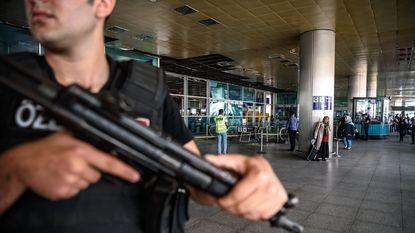 """Turkije arresteert 49 vermoedelijke leden van IS: """"Sommigen waren aanslag aan het voorbereiden voor nationale feestdag"""""""