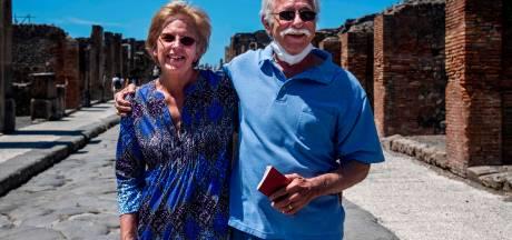 Echtpaar uit VS kan na 2,5 maand eindelijk ruïnes Pompeii bezoeken: 'Cadeau voor 30-jarig huwelijk'