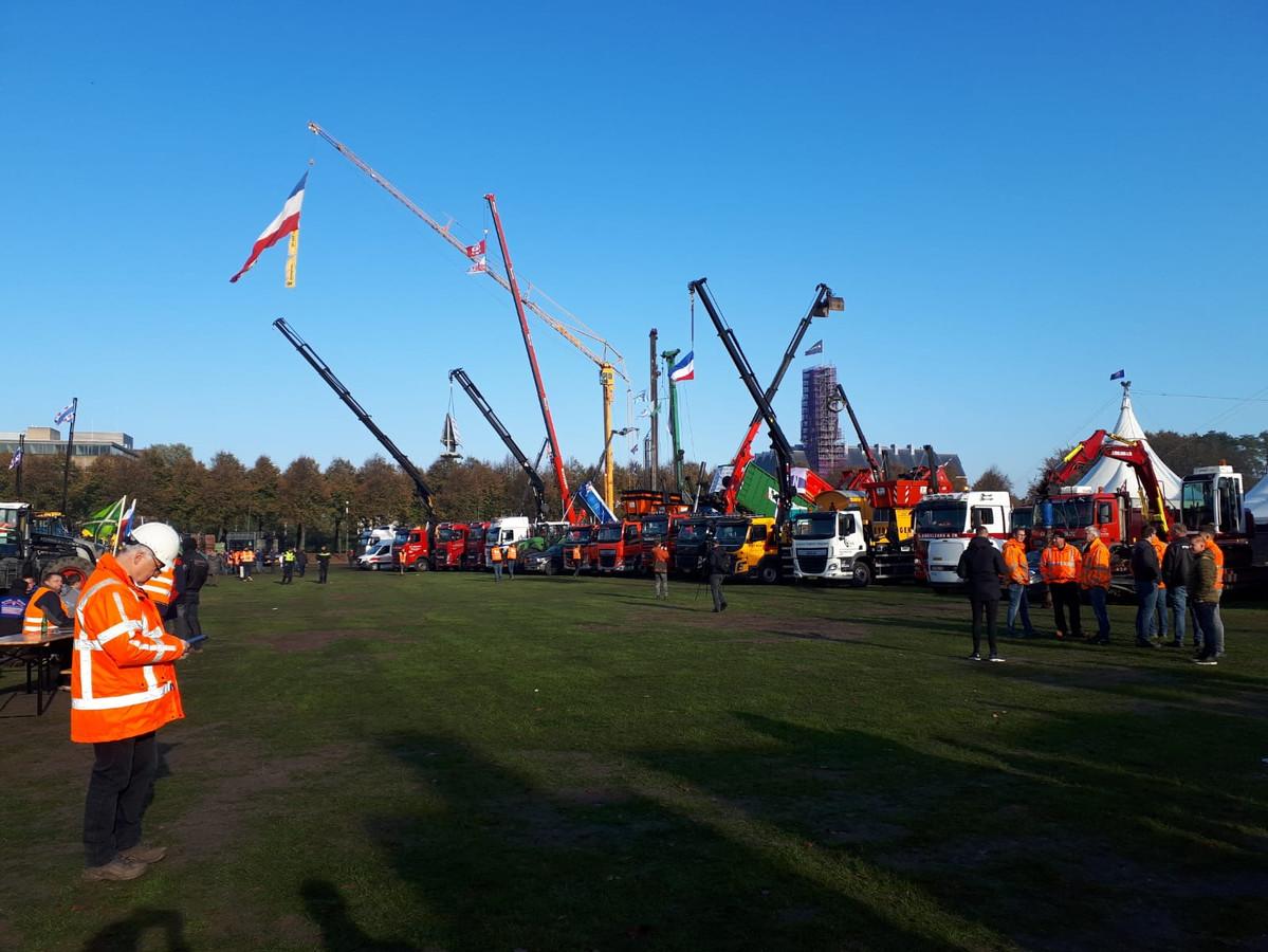 Brabantse bouwers in protest op het Malieveld