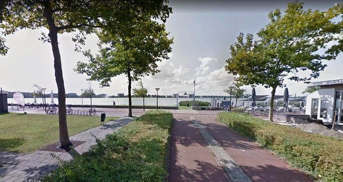 Dit een rustig plaatje. De Jeugdraad stoort zich aan asociale brommers op fietspad langs Boulevard.