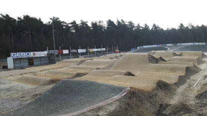 Tegen 2020 BMX-terrein met startheuvel van 6,5 meter hoog aan sporthal Denderdal