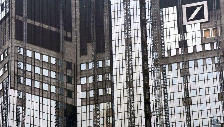 De bank heeft de spionage van Bohndorf niet toegegeven, maar heeft inmiddels wel twee werknemers ontslagen die aandeelhouders en leden van de raad van commissarissen hebben laten volgen. Foto EPA Beeld