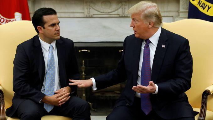 """Trump geeft zijn administratie """"tien op tien"""" voor reactie op orkaan"""
