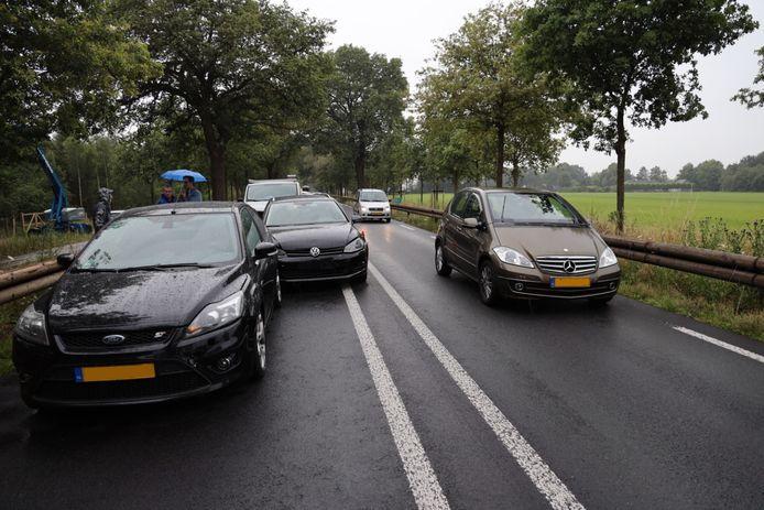 Vier auto's raakten betrokken bij het ongeluk.