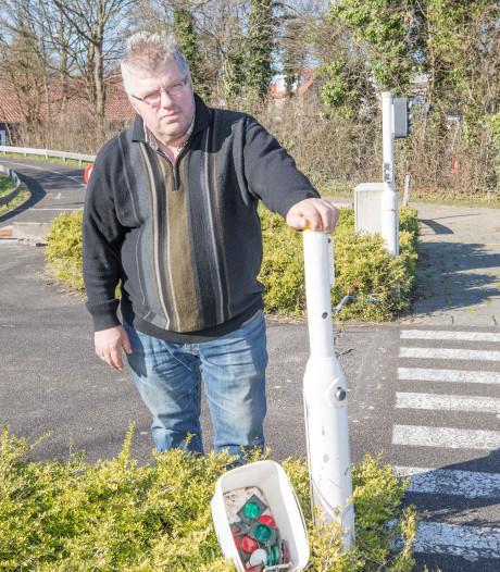 Nieuwdorp in actie voor vernielde speeltuin: 'Alle lichten zijn kapot en de kastjes eraf geslagen'