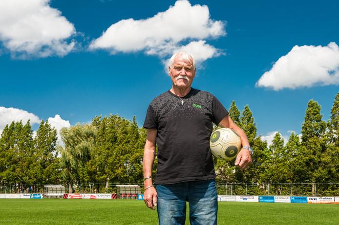 Gouwenaar Siem de Jong speelde zestien jaar in het eerste elftal bij ONA.