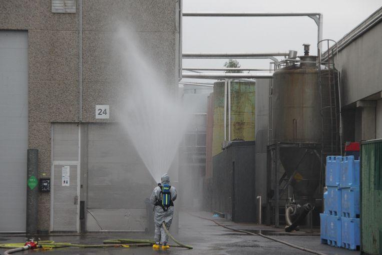 Een vernevelingsmuur om de ammoniak te doen neerslaan.