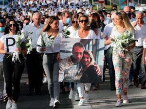 """Une marche blanche en hommage au chauffeur de bus agressé à Bayonne: """"Un soutien indescriptible"""""""
