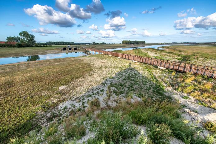 Sinds de eerste week van september stroomt er voorzichtig zout water het natuurgebied bij Breskens in.