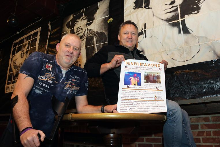 Jean Pierre Dierckx (links) en Mill Wuyts, uitbater van café 't Saske.