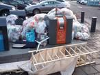 Nog veel afval naast containers